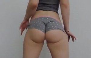 vídeo pornô mulheres loiras chupando