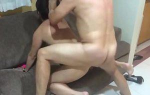 br  filme porno com mulher negra casada traino marido na frete dele com outro homen